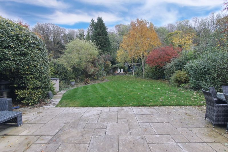 5 bedroom semi detached house Under Offer in Tadworth - Photo 22.