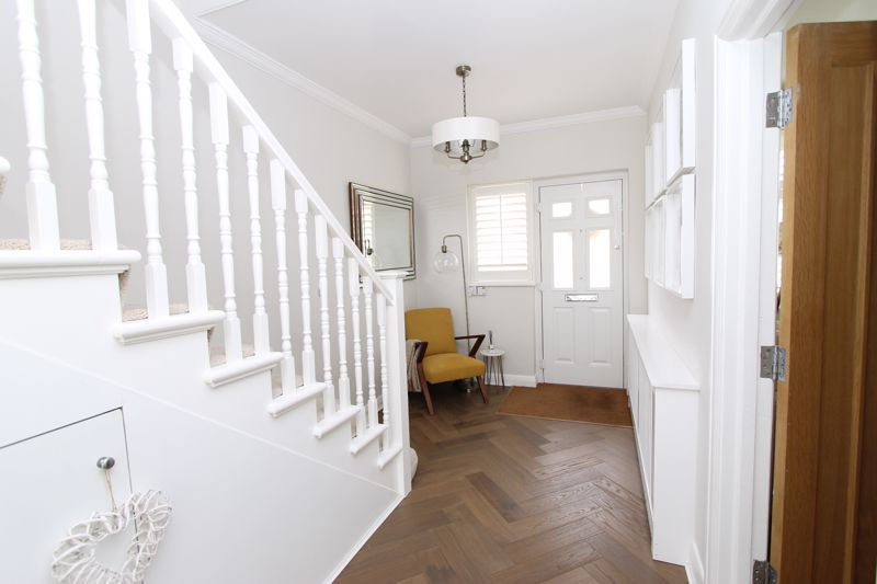 5 bedroom semi detached house Under Offer in Tadworth - Photo 12.