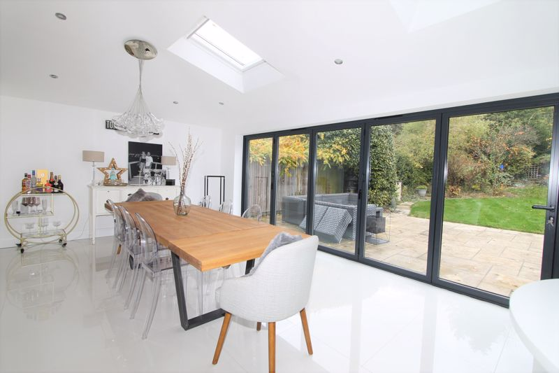 5 bedroom semi detached house Under Offer in Tadworth - Photo 15.