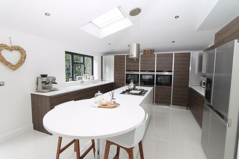 5 bedroom semi detached house Under Offer in Tadworth - Photo 16.