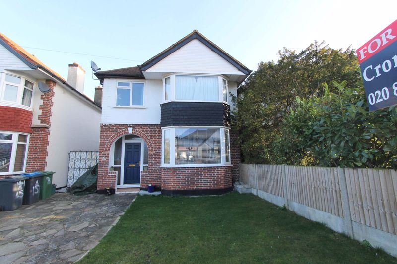 3 bedroom detached house Under Offer in Worcester Park - Photo 10.