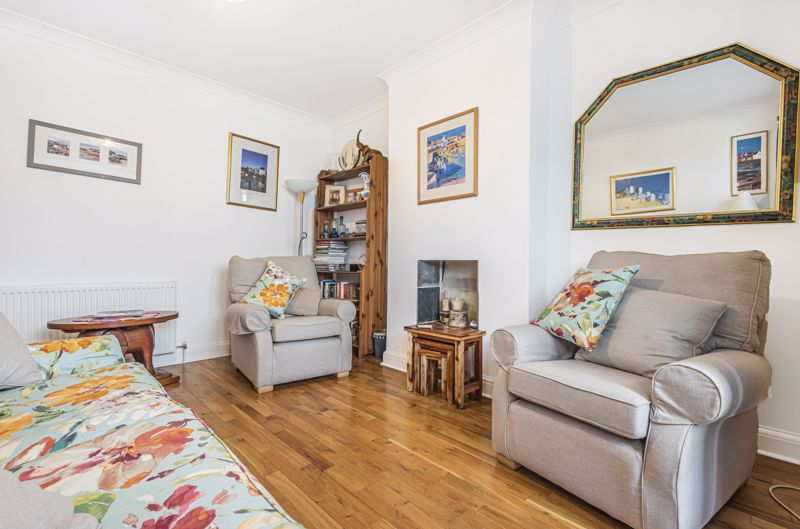 4 bedroom semi detached house Under Offer in Worcester Park - Photo 14.