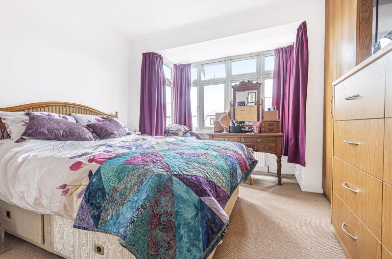 4 bedroom semi detached house Under Offer in Worcester Park - Photo 4.