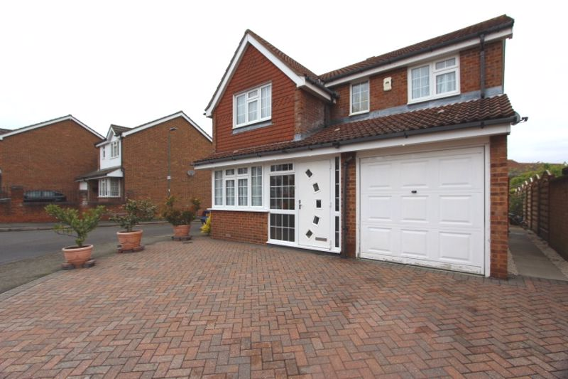4 bedroom detached house Let in Carshalton - Photo 23.