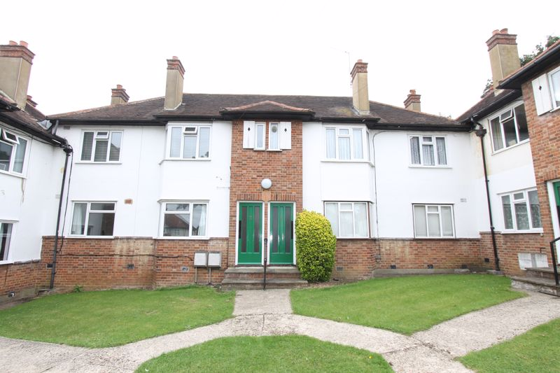 2 bedroom ground floor flat maisonette For Sale in Sutton - Photo 6.