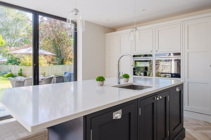 3 bedroom detached house SSTC in Sutton - Photo 5.