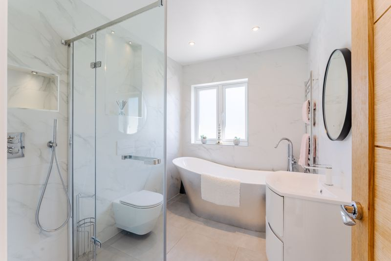 3 bedroom detached house SSTC in Sutton - Photo 24.