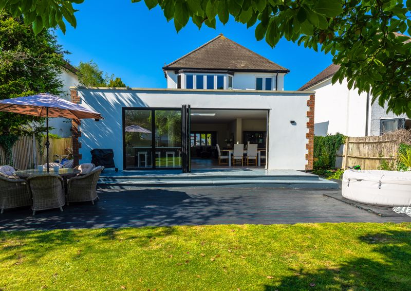 3 bedroom detached house SSTC in Sutton - Photo 32.