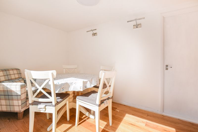 2 bedroom terraced house SSTC in Sutton - Photo 12.
