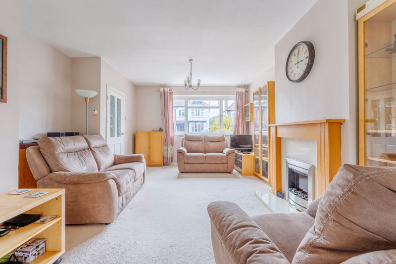 3 bedroom semi detached house SSTC in Sutton - Photo 7.