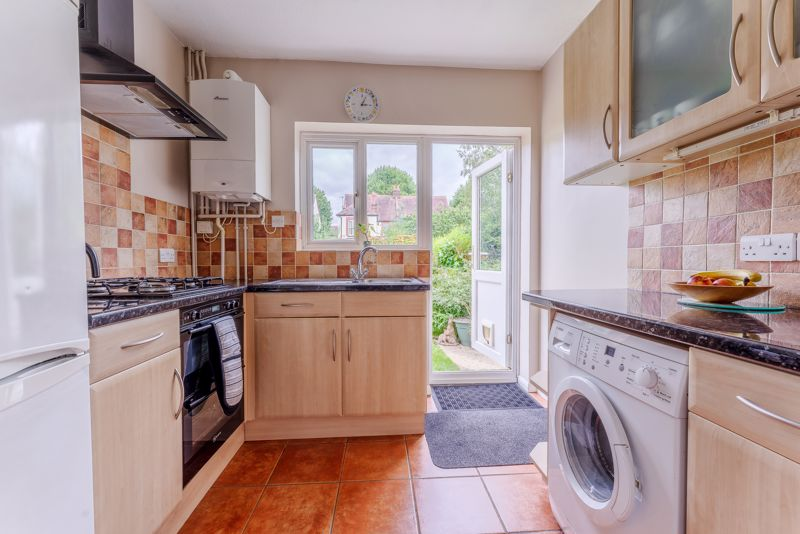 3 bedroom semi detached house SSTC in Sutton - Photo 8.