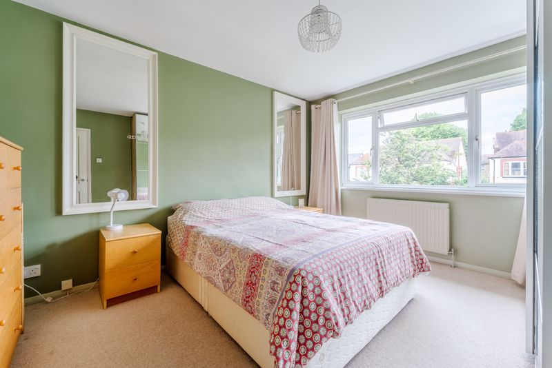 3 bedroom semi detached house SSTC in Sutton - Photo 11.