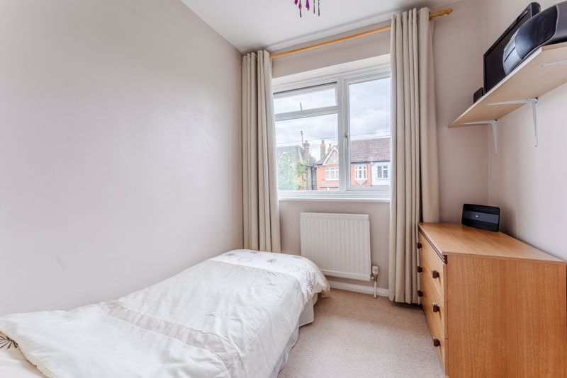 3 bedroom semi detached house SSTC in Sutton - Photo 13.