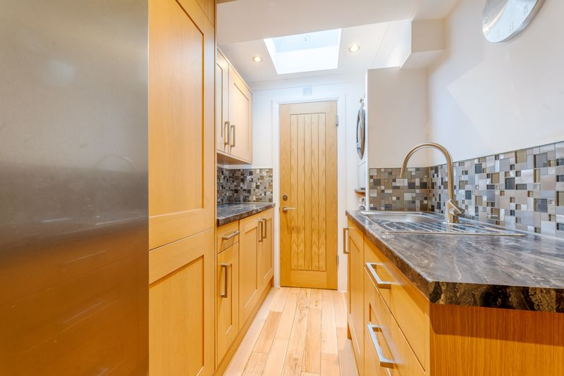 4 bedroom semi detached house Under Offer in Sutton - Photo 3.
