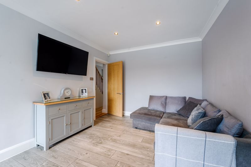 4 bedroom semi detached house Under Offer in Sutton - Photo 5.