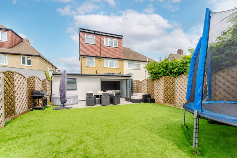 4 bedroom semi detached house Under Offer in Sutton - Photo 16.