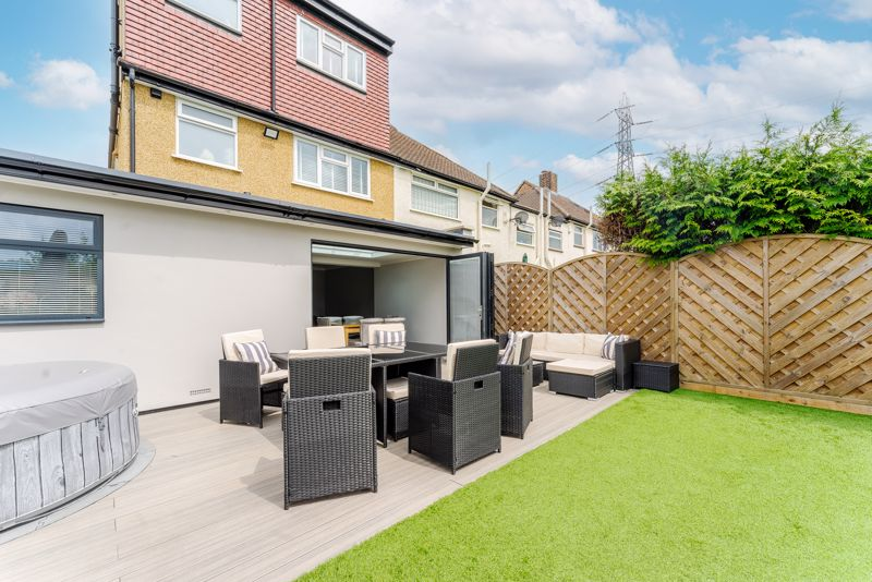 4 bedroom semi detached house Under Offer in Sutton - Photo 17.