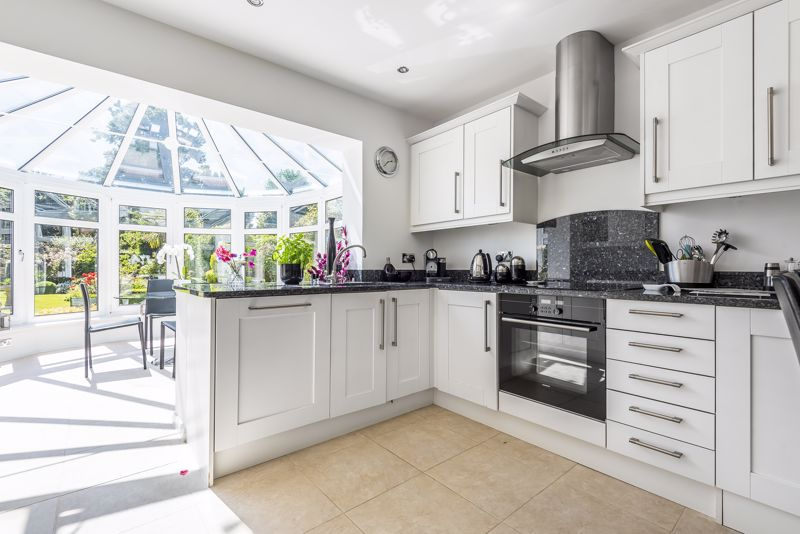 4 bedroom detached house SSTC in Epsom - Photo 5.