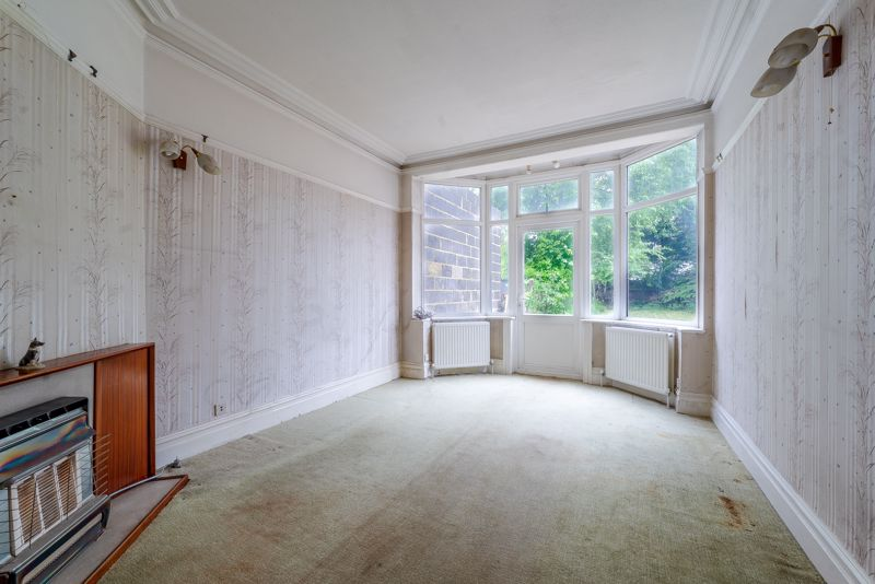 6 bedroom semi detached house Under Offer in Sutton - Photo 7.