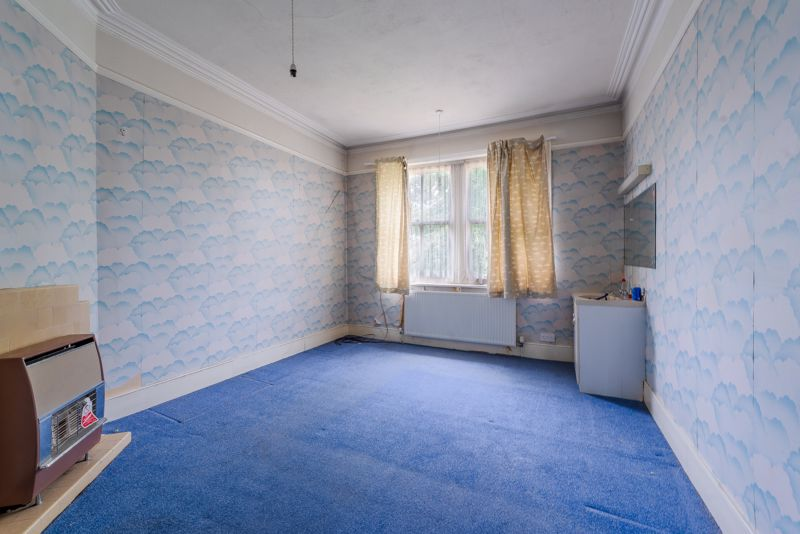 6 bedroom semi detached house Under Offer in Sutton - Photo 8.