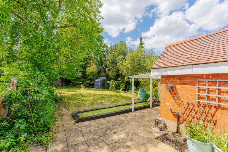 6 bedroom semi detached house Under Offer in Sutton - Photo 18.