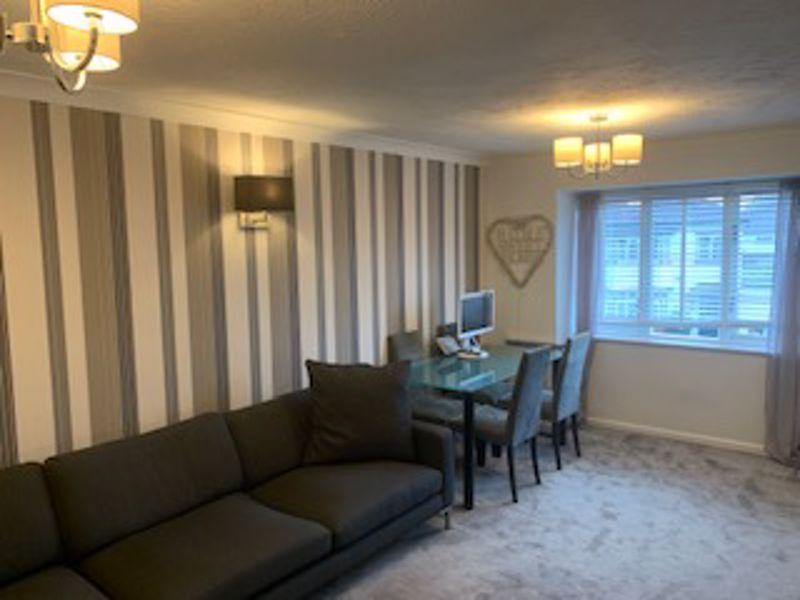 1 bedroom upper floor flat flat Let in Carshalton - Photo 2.
