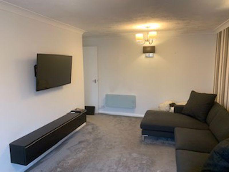 1 bedroom upper floor flat flat Let in Carshalton - Photo 6.