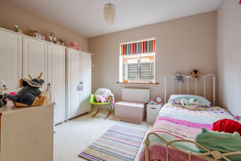 4 bedroom detached bungalow SSTC in Sutton - Photo 10.