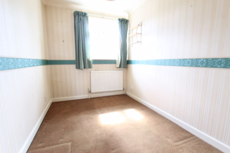 5 bedroom end terrace house For Sale in Sutton - Photo 8.