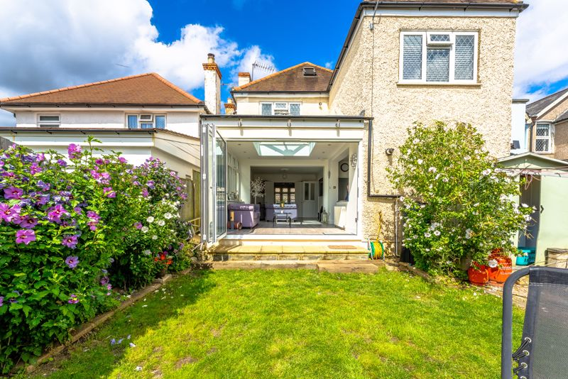 4 bedroom detached house SSTC in Sutton - Photo 4.