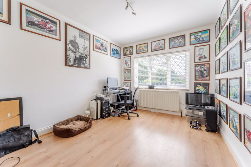 4 bedroom detached house SSTC in Sutton - Photo 16.