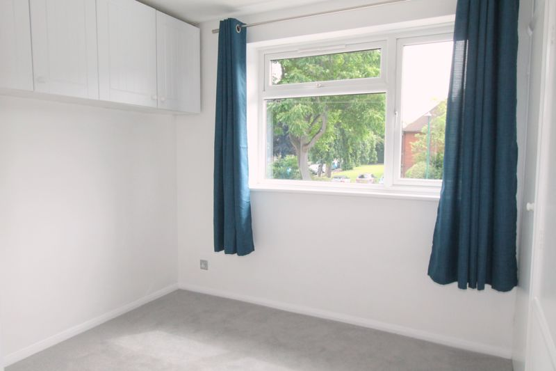 2 bedroom terraced house Let in Sutton - Photo 7.