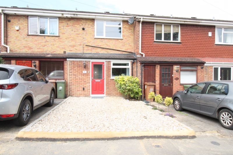 2 bedroom terraced house Let in Sutton - Photo 8.