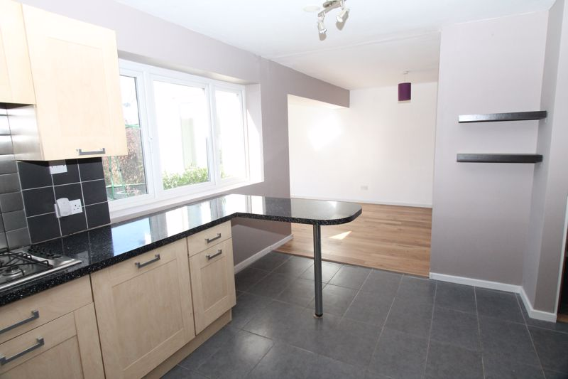 4 bedroom detached house SSTC in Banstead - Photo 20.