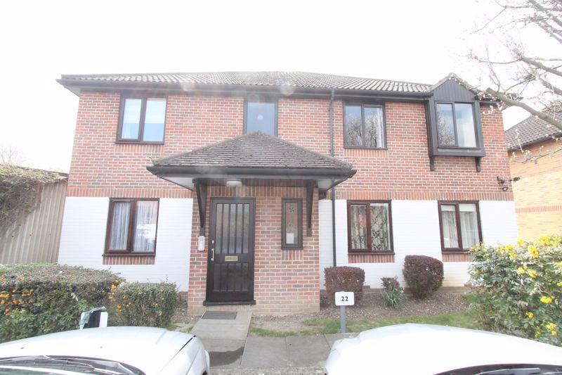 2 bedroom ground floor flat flat Let in Sutton - Photo 1.