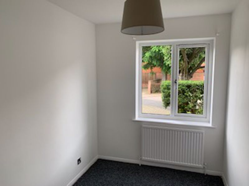 2 bedroom ground floor flat flat Let in Sutton - Photo 4.