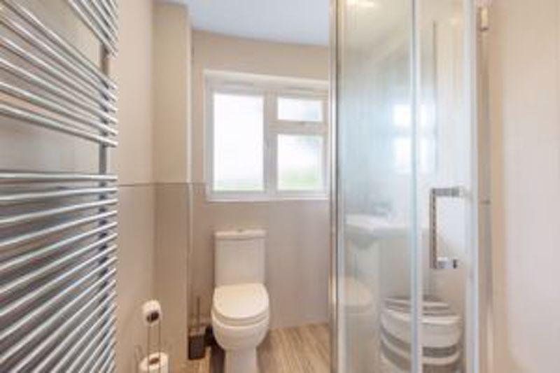 2 bedroom upper floor flat maisonette Let in Sutton - Photo 1.