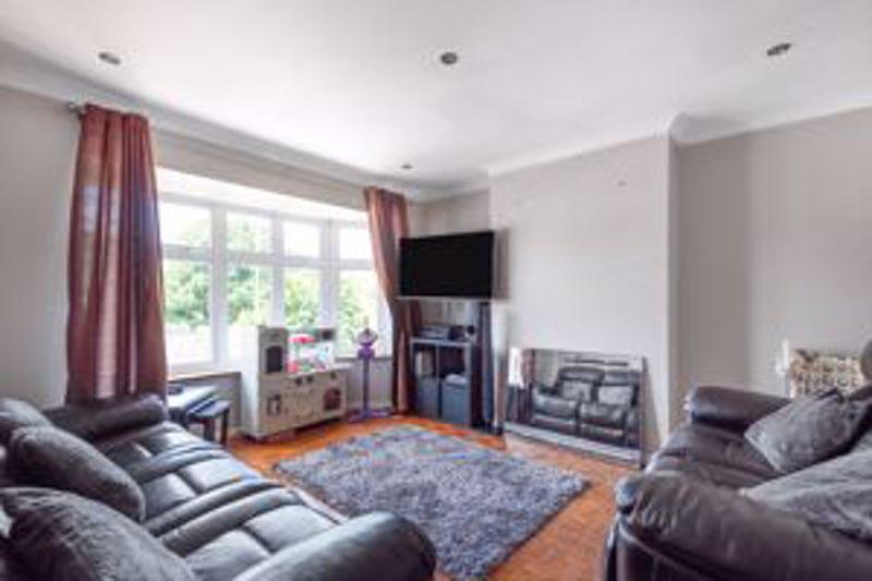 2 bedroom upper floor flat maisonette Let in Sutton - Photo 5.