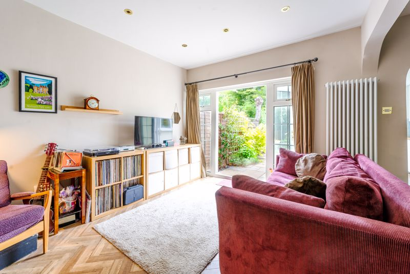 4 bedroom semi detached house SSTC in Sutton - Photo 7.