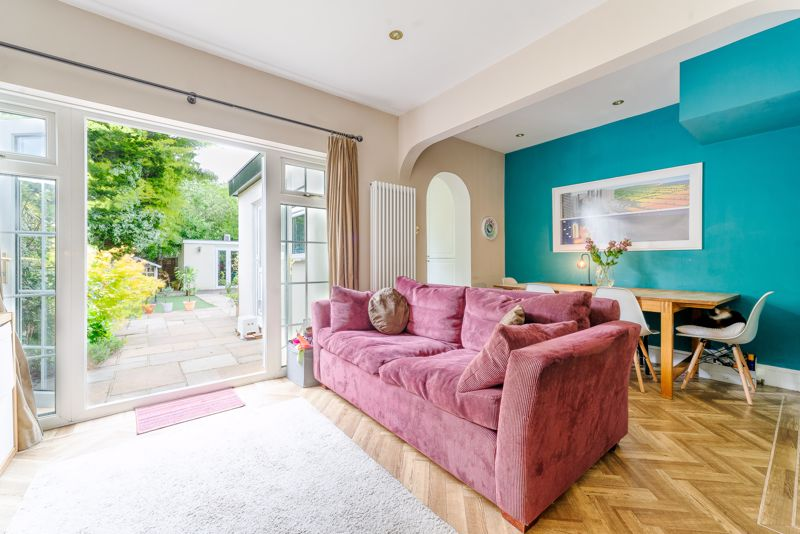 4 bedroom semi detached house SSTC in Sutton - Photo 8.