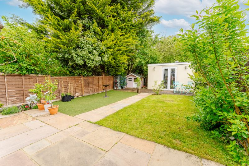 4 bedroom semi detached house SSTC in Sutton - Photo 1.