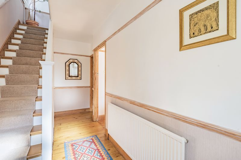 3 bedroom end terrace house For Sale in Sutton - Photo 6.
