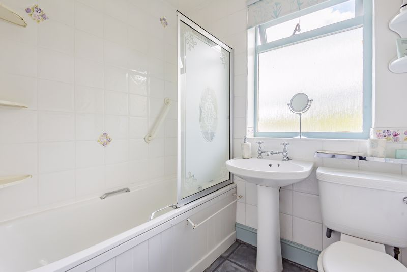 3 bedroom end terrace house For Sale in Sutton - Photo 12.