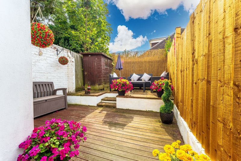2 bedroom terraced house For Sale in Sutton - Photo 11.