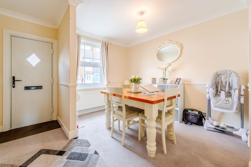 2 bedroom terraced house For Sale in Sutton - Photo 14.