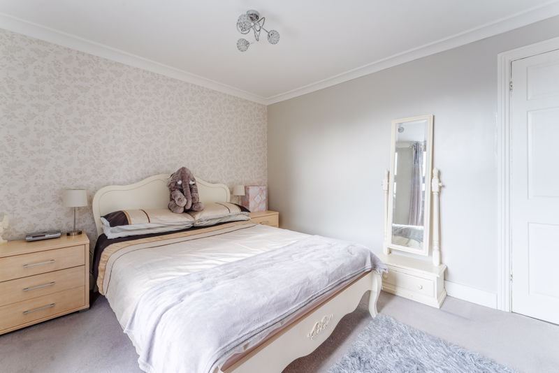 2 bedroom terraced house For Sale in Sutton - Photo 16.