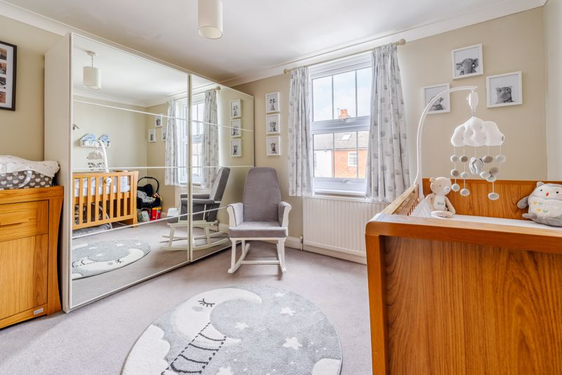 2 bedroom terraced house For Sale in Sutton - Photo 17.