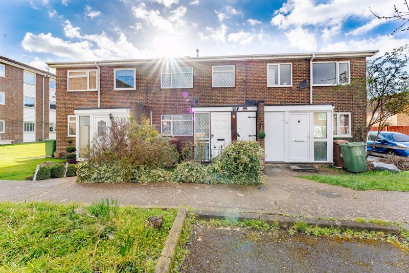3 bedroom terraced house SSTC in Sutton - Photo 5.