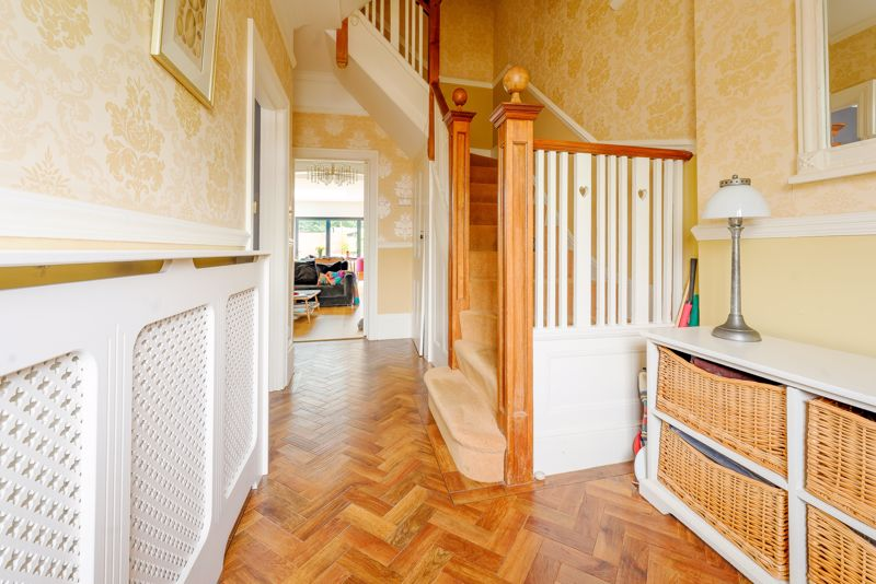 6 bedroom semi detached house SSTC in Sutton - Photo 28.