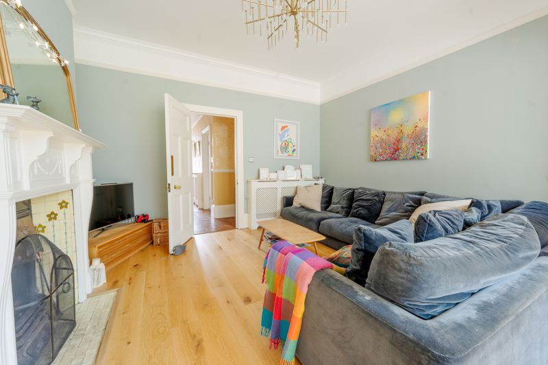 6 bedroom semi detached house SSTC in Sutton - Photo 21.